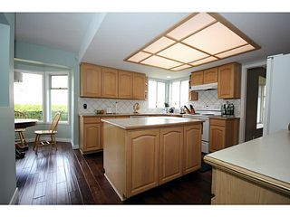 "Photo 3: 560 SEASHELL Drive in Tsawwassen: Boundary Beach House for sale in ""CENTENNIAL TIDES"" : MLS®# V999071"