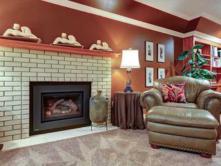 Photo 7: 112 OAKBRIAR Close SW in CALGARY: Palliser Townhouse for sale (Calgary)  : MLS®# C3576758