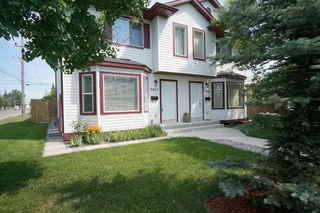 Photo 3: Affordable half duplex in Calgary, Alberta