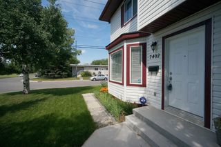 Photo 5: Affordable half duplex in Calgary, Alberta