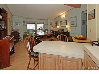Photo 11: SAANICHTON MOBILE HOME = SAANICHTON REAL ESTATE Sold With Ann Watley! Call (250) 656-0131