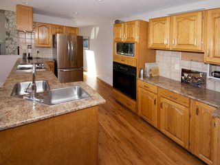"Photo 10: 1420 VIEW Crescent in Tsawwassen: Beach Grove House for sale in ""VILLAGE GREENS"" : MLS®# V1074121"