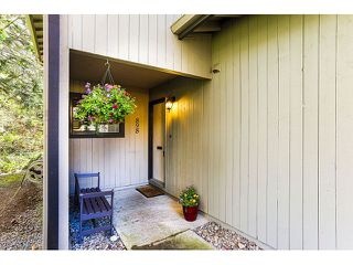 Photo 2: 898 CUNNINGHAM LN in Port Moody: North Shore Pt Moody Condo for sale : MLS®# V1116734