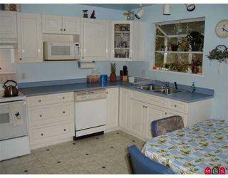 """Photo 6: 14894 GLEN AVON Drive in Surrey: Bolivar Heights House for sale in """"Birdland"""" (North Surrey)  : MLS®# F2625156"""