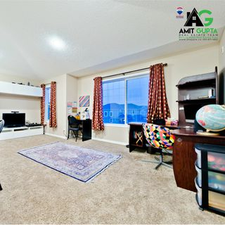 Photo 2: 76 Sherwood Manor NW in Calgary: sherwo House for sale : MLS®# C4223593