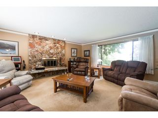Photo 4: 16766 NORTHVIEW Crescent in Surrey: Grandview Surrey House for sale (South Surrey White Rock)  : MLS®# R2388869