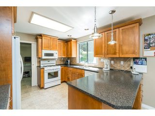 Photo 7: 16766 NORTHVIEW Crescent in Surrey: Grandview Surrey House for sale (South Surrey White Rock)  : MLS®# R2388869