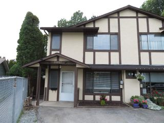 Main Photo: 20207 52 Avenue in Langley: Langley City House 1/2 Duplex for sale : MLS®# R2399723
