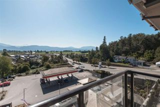 """Photo 13: 407 2242 WHATCOM Road in Abbotsford: Abbotsford East Condo for sale in """"Waterleaf"""" : MLS®# R2399795"""