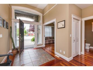 Photo 2: 16277 58A Avenue in Surrey: Cloverdale BC House for sale (Cloverdale)  : MLS®# R2438422