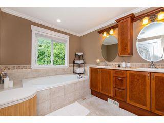 Photo 14: 16277 58A Avenue in Surrey: Cloverdale BC House for sale (Cloverdale)  : MLS®# R2438422