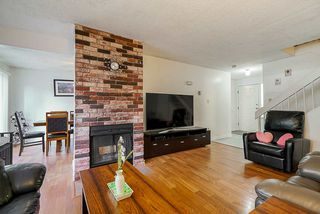 Photo 4: 2 9982 149 Street in Surrey: Guildford Townhouse for sale (North Surrey)  : MLS®# R2447721
