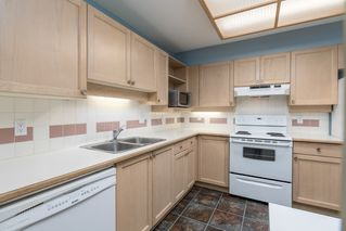 Photo 4: 415 6735 STATION HILL COURT in Burnaby: South Slope Condo for sale (Burnaby South)  : MLS®# R2450864