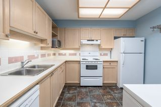 Photo 3: 415 6735 STATION HILL COURT in Burnaby: South Slope Condo for sale (Burnaby South)  : MLS®# R2450864