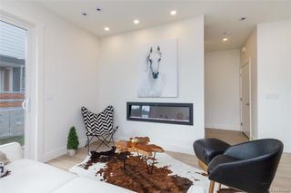 Photo 2: 103 3333 Radiant Way in Langford: La Happy Valley Row/Townhouse for sale : MLS®# 843466