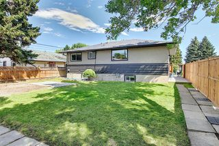 Photo 38: 2439 42 Street in Calgary: Forest Lawn Detached for sale : MLS®# A1022830