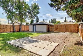 Photo 35: 2439 42 Street in Calgary: Forest Lawn Detached for sale : MLS®# A1022830