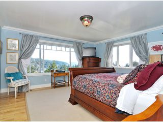 """Photo 6: 5880 FALCON Road in West Vancouver: Eagleridge House for sale in """"Eagleridge"""" : MLS®# V942367"""