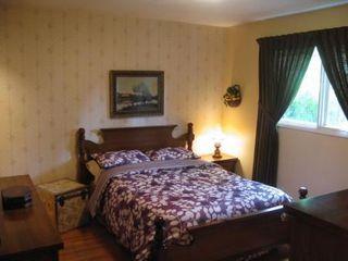 Photo 4: Marvelous 5 Bedroom Bungalow