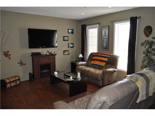 Photo 5: 64 WINDSTONE Green SW: Airdrie Townhouse for sale : MLS®# C3566494