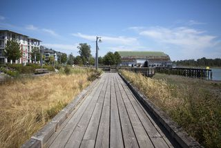 Photo 10: 306 4600 Westwater Drive in Copper Sky: Steveston South Home for sale ()  : MLS®# V921012