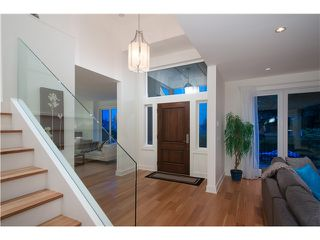 Photo 3: 1569 JEFFERSON Avenue in West Vancouver: Ambleside House for sale : MLS®# V1073552