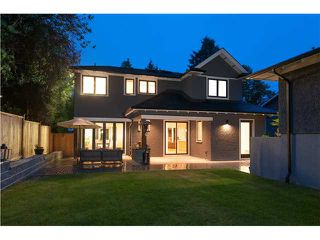 Photo 2: 1569 JEFFERSON Avenue in West Vancouver: Ambleside House for sale : MLS®# V1073552