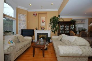 Photo 2: 5568 IRVING STREET in Burnaby: Forest Glen BS House 1/2 Duplex for sale (Burnaby South)  : MLS®# R2032600