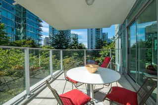 Photo 3: 301 1650 BAYSHORE DRIVE in Vancouver: Coal Harbour Condo for sale (Vancouver West)  : MLS®# R2119390