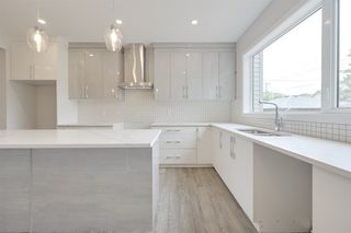 Photo 8: 10223 80 Street in Edmonton: Zone 19 House Half Duplex for sale : MLS®# E4169289