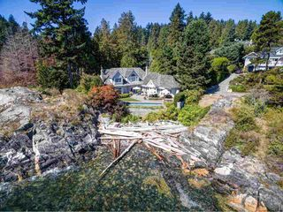 Photo 1: 4768 PILOT HOUSE Road in West Vancouver: Olde Caulfeild House for sale : MLS®# R2402326