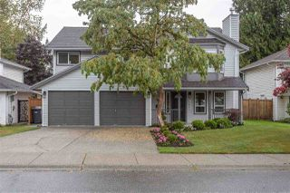 Main Photo: 9465 215A Street in Langley: Walnut Grove House for sale : MLS®# R2404749