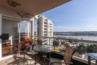 "Photo 4: 1202 1065 QUAYSIDE Drive in New Westminster: Quay Condo for sale in ""Quayside Tower II"" : MLS®# R2422058"