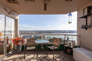"Photo 3: 1202 1065 QUAYSIDE Drive in New Westminster: Quay Condo for sale in ""Quayside Tower II"" : MLS®# R2422058"