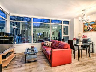 """Photo 8: 310 8538 RIVER DISTRICT Crossing in Vancouver: South Marine Condo for sale in """"ONE TOWN CENTRE"""" (Vancouver East)  : MLS®# R2432798"""