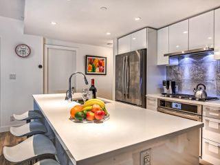 """Photo 5: 310 8538 RIVER DISTRICT Crossing in Vancouver: South Marine Condo for sale in """"ONE TOWN CENTRE"""" (Vancouver East)  : MLS®# R2432798"""