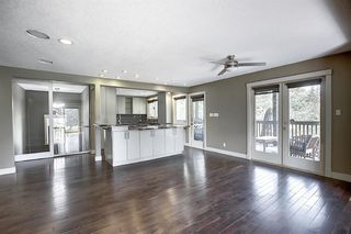 Photo 10: 10716 Fairmount Drive SE in Calgary: Willow Park Detached for sale : MLS®# C4295794
