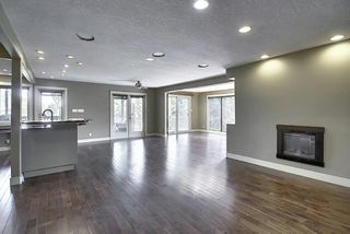 Photo 17: 10716 Fairmount Drive SE in Calgary: Willow Park Detached for sale : MLS®# C4295794