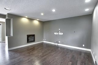 Photo 16: 10716 Fairmount Drive SE in Calgary: Willow Park Detached for sale : MLS®# C4295794