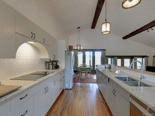 Photo 9: 7669 West Saanich Rd in : CS Saanichton House for sale (Central Saanich)  : MLS®# 855190