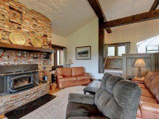 Photo 4: 7669 West Saanich Rd in : CS Saanichton House for sale (Central Saanich)  : MLS®# 855190
