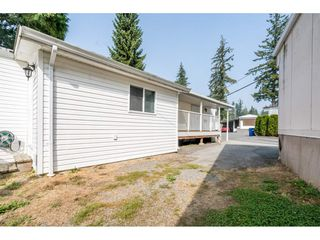 "Photo 5: 20 24330 FRASER Highway in Langley: Otter District Manufactured Home for sale in ""Langley Grove Estates"" : MLS®# R2497315"