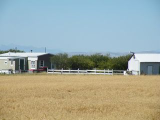 Photo 1: HWY 520 East Secondary Highway in Rural Willow Creek No. 26, M.D. of: Rural Willow Creek M.D. Detached for sale : MLS®# A1037614