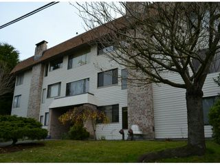 "Photo 1: 202 1410 BLACKWOOD Street: White Rock Condo for sale in ""CHELSEA HOUSE"" (South Surrey White Rock)  : MLS®# F1228076"