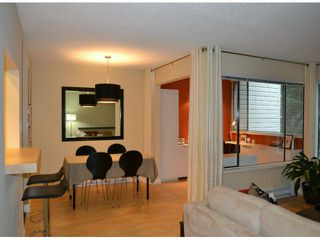 "Photo 7: 202 1410 BLACKWOOD Street: White Rock Condo for sale in ""CHELSEA HOUSE"" (South Surrey White Rock)  : MLS®# F1228076"