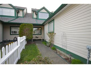 Photo 9: # 204 20675 118 AV in Maple Ridge: Southwest Maple Ridge Townhouse for sale : MLS®# V998558