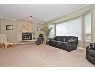 Photo 4: 18979 SUNRISE Avenue in Surrey: Cloverdale BC House for sale (Cloverdale)  : MLS®# F1315529