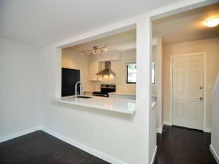 """Photo 6: 887 CUNNINGHAM Lane in Port Moody: North Shore Pt Moody Townhouse for sale in """"WOODSIDE VILLAGE"""" : MLS®# V1021537"""