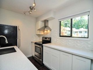 """Photo 5: 887 CUNNINGHAM Lane in Port Moody: North Shore Pt Moody Townhouse for sale in """"WOODSIDE VILLAGE"""" : MLS®# V1021537"""