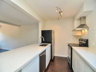 """Photo 3: 887 CUNNINGHAM Lane in Port Moody: North Shore Pt Moody Townhouse for sale in """"WOODSIDE VILLAGE"""" : MLS®# V1021537"""